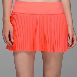 Hot pink/Coral lulu skirt. Size 6! Worn one time!